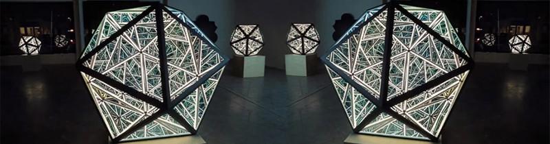 Светодиодные порталы от скульптора Энтони Джеймса