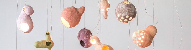 Ты видишь овцу: парящие светильники от японской художницы